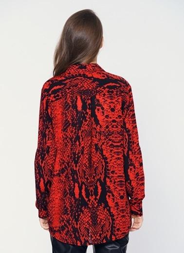 Loves You Yılan Desenli Gömlek Kırmızı